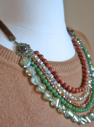 Green bronze gold necklace