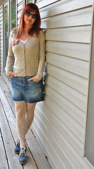 Jean mini skirt patterned tights