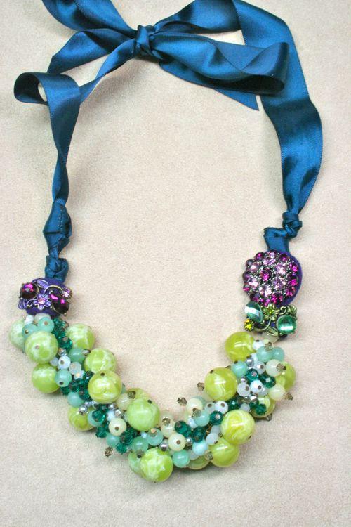 Blue green purple beaded necklace1000