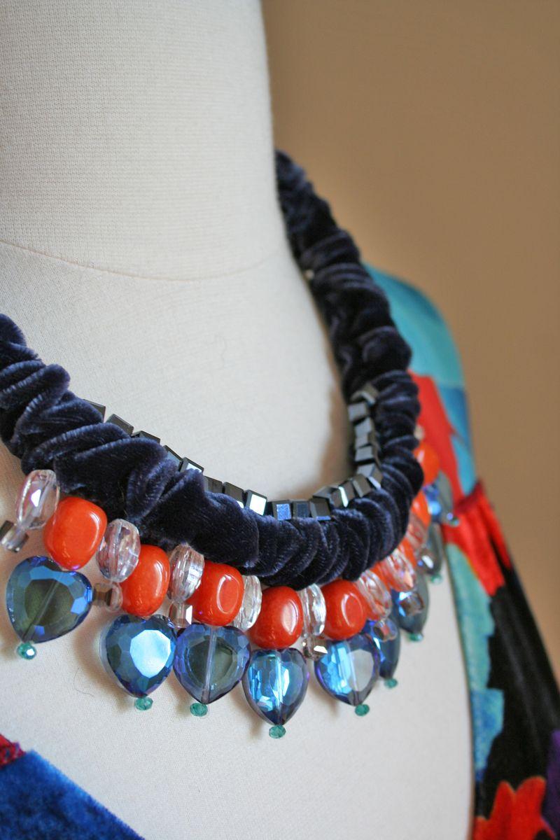 Blue orange velvet necklace1000