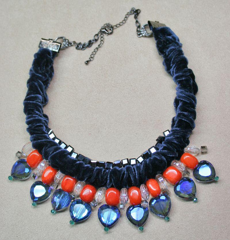 Orange blue heart velvet necklace1000
