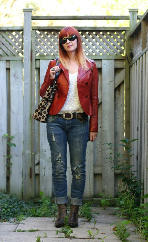 Jeans and leather jacket outfit