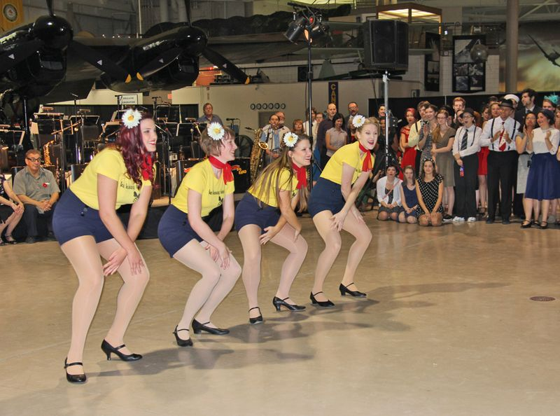 The bees knees dance group