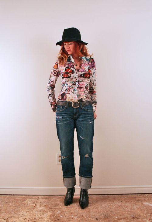 Black boho hat boyfriend jeans