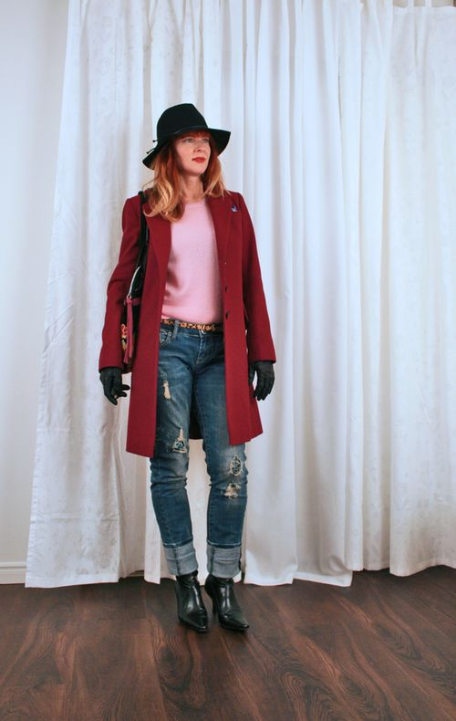 Boyfriend jeans cherry wool coat