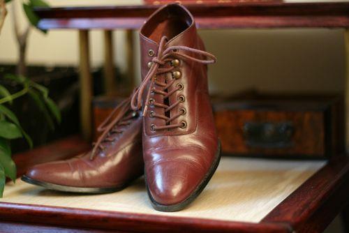 Vintage burgundy booties