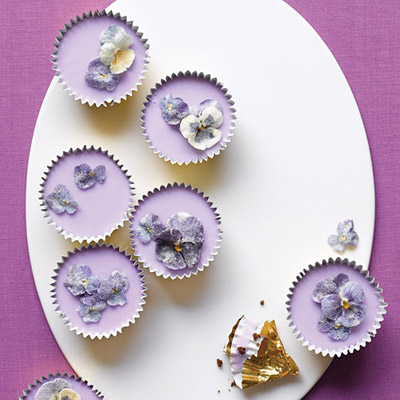 Violet easter cupcakes