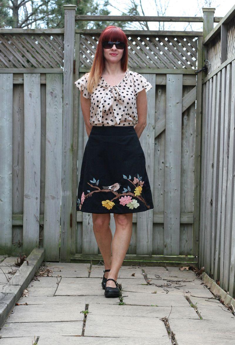 Vacation outfit ideas anthropologie bird skirt H&M polkadot blouse