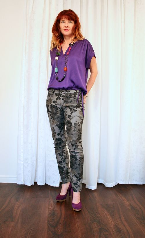 How to wear floral jeans suzanne carillo