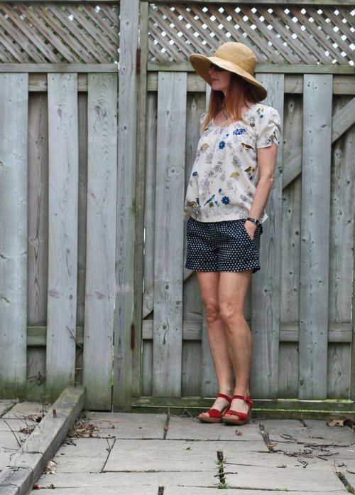 Casual vacation outfit anthropologie shorts