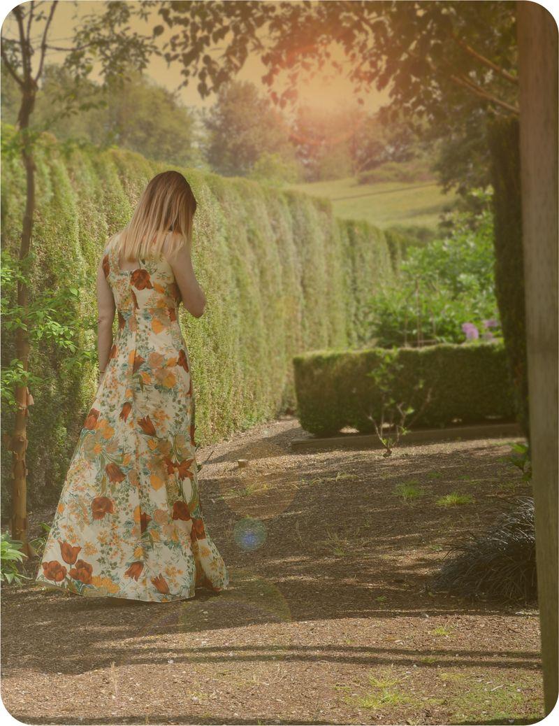 Back of 1970's maxi dress suzanne carillo