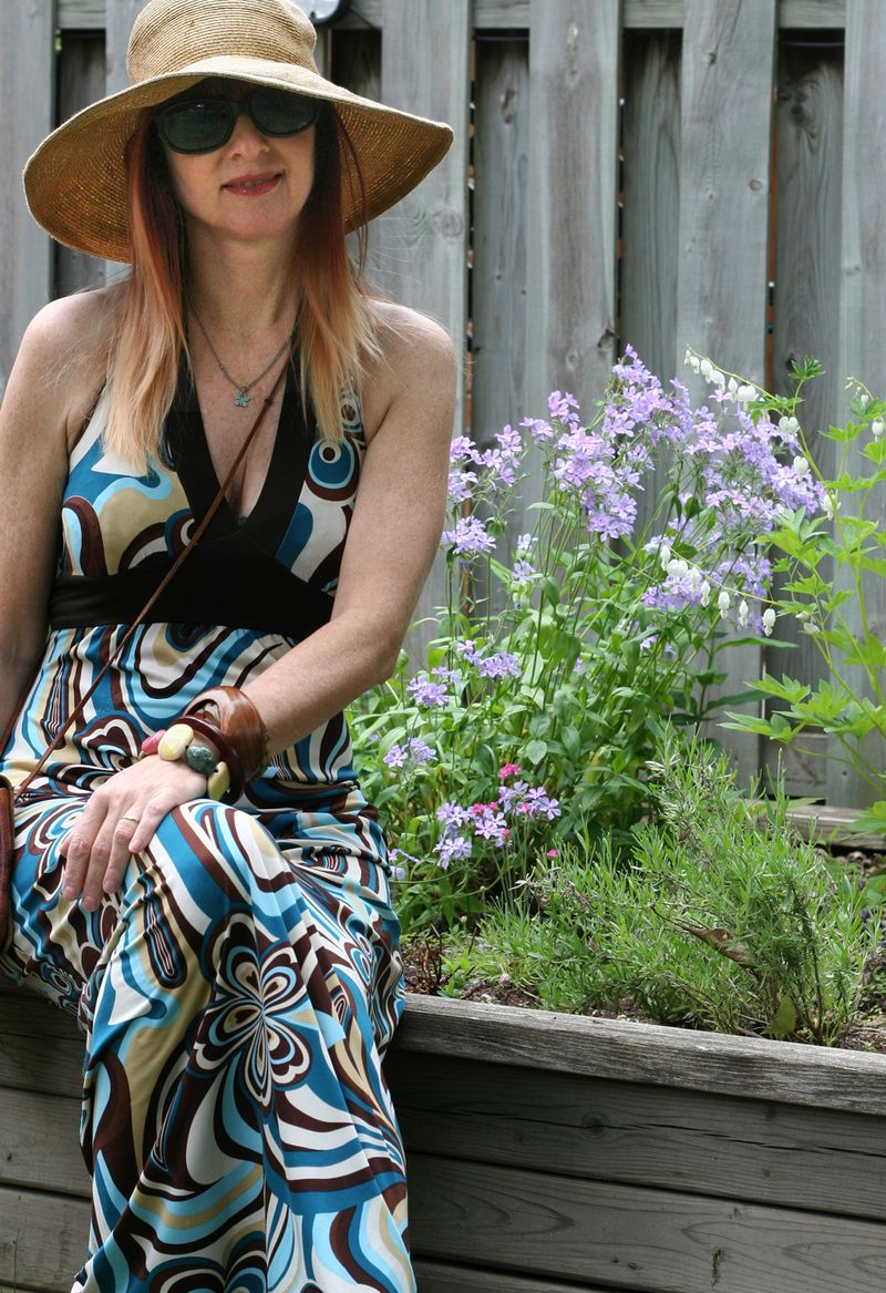 Groovy maxi dress for summer suzanne carillo style files easy summer style for women over 40