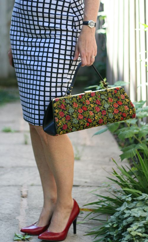 How to style a vintage bag suzanne carillo style files embroidered vintage framed handbag