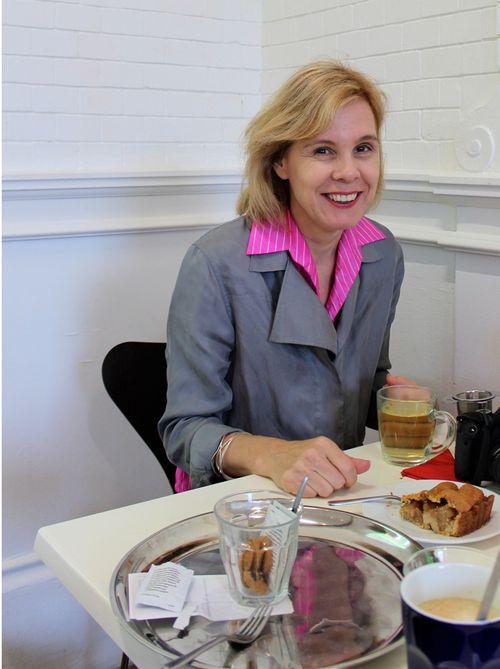 Sylvia 40+style blogger